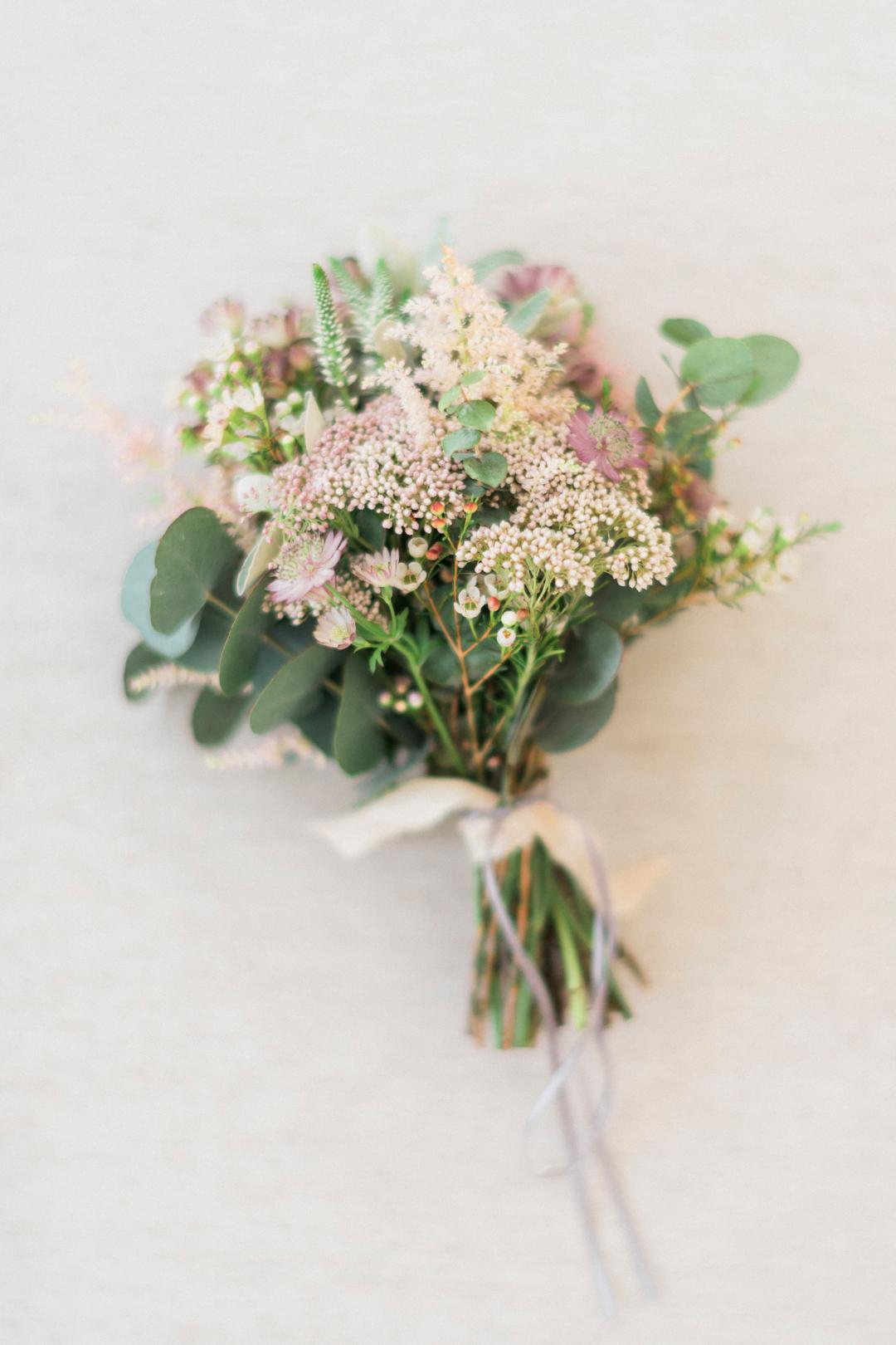 Our Wedding Flowers   Laura Bradshaw